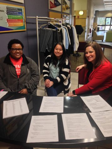 With the help of Jessica Keys, Shao Yeung and Laura Aycock, more than 35 students had their resumes reviewed in preparation for next week's Career Fair. The fair take place Wednesday, March 28, 2018, from 11:00 a.m. to 2:00 p.m. in the Summit Room on the Littleton campus of Arapahoe Community College.