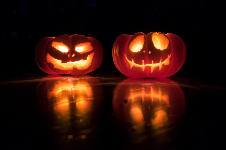 Halloween pumpkins (Photo by David Menidrey on Unsplash)